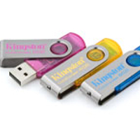 MP3 prehrávač do 5GB - KINGSTON DataTraveler101 USB 8GB cyan